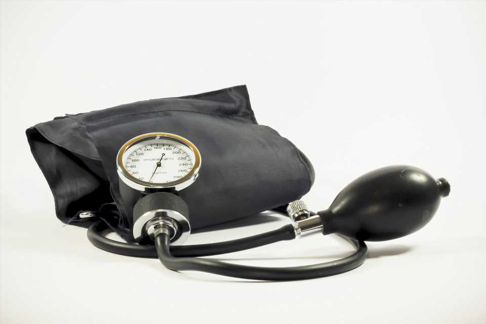 Healthy habits still vital after starting blood pressure, cholesterol medications