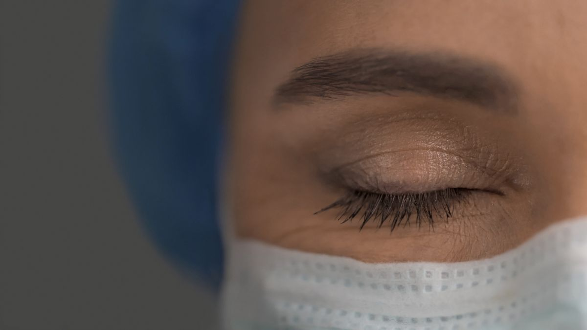 Coronavirus lingered in a woman's eyes long after it cleared from her nose
