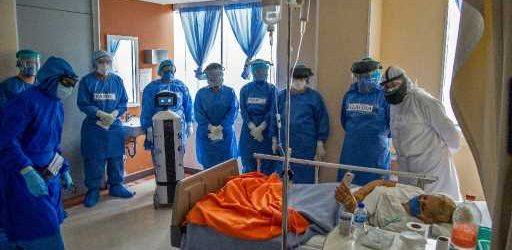 Robot eases loneliness of Mexican virus patients