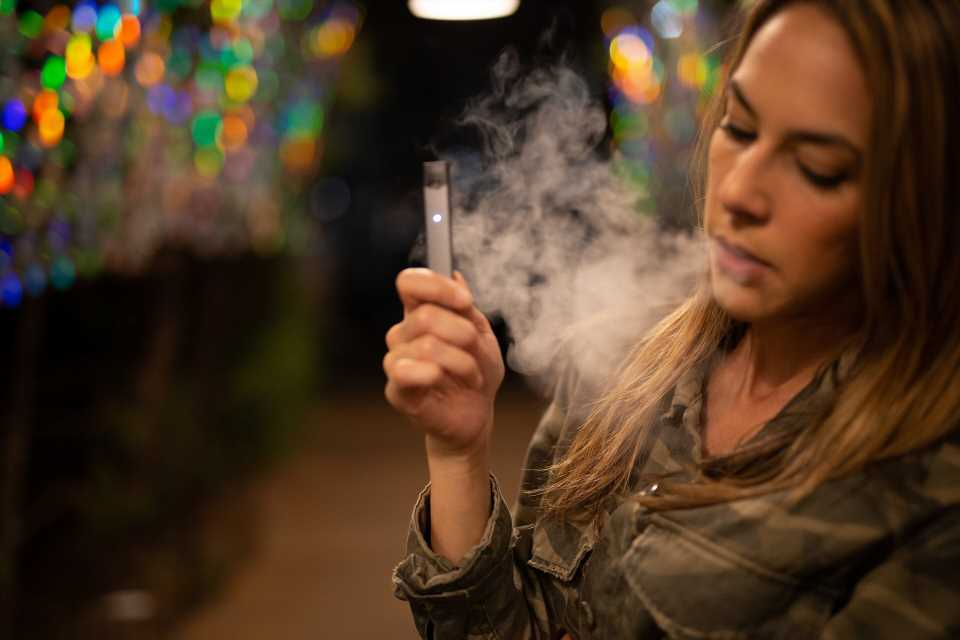 Flavourings in e-cigarettes might mix in unexpected, harmful ways