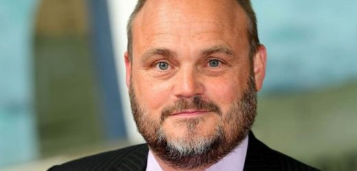 Comedian Al Murray to play online music show with daughter, 17, for cancer patients