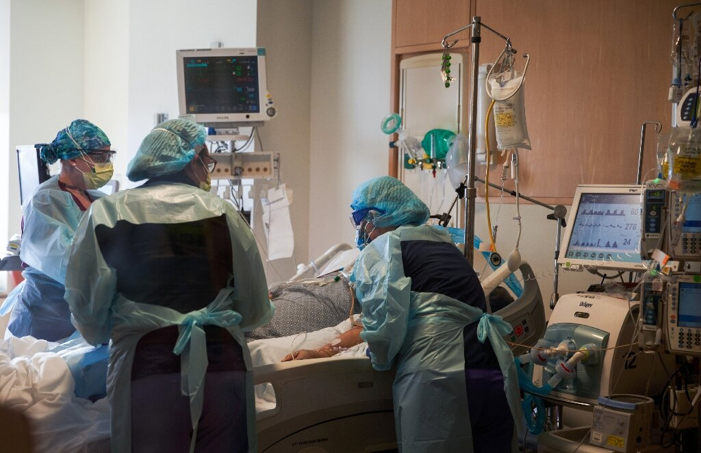 Men with COVID-19 three times more likely to need intensive care: study