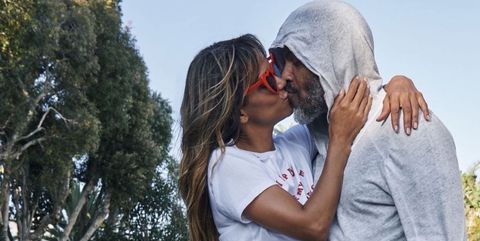 Halle Berry Has Seriously Strong Legs In A Pantsless Instagram Photo With Boyfriend Van Hunt