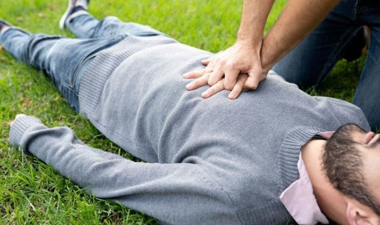 How to do CPR: Four simple steps that could save a life – 'everyone should know'